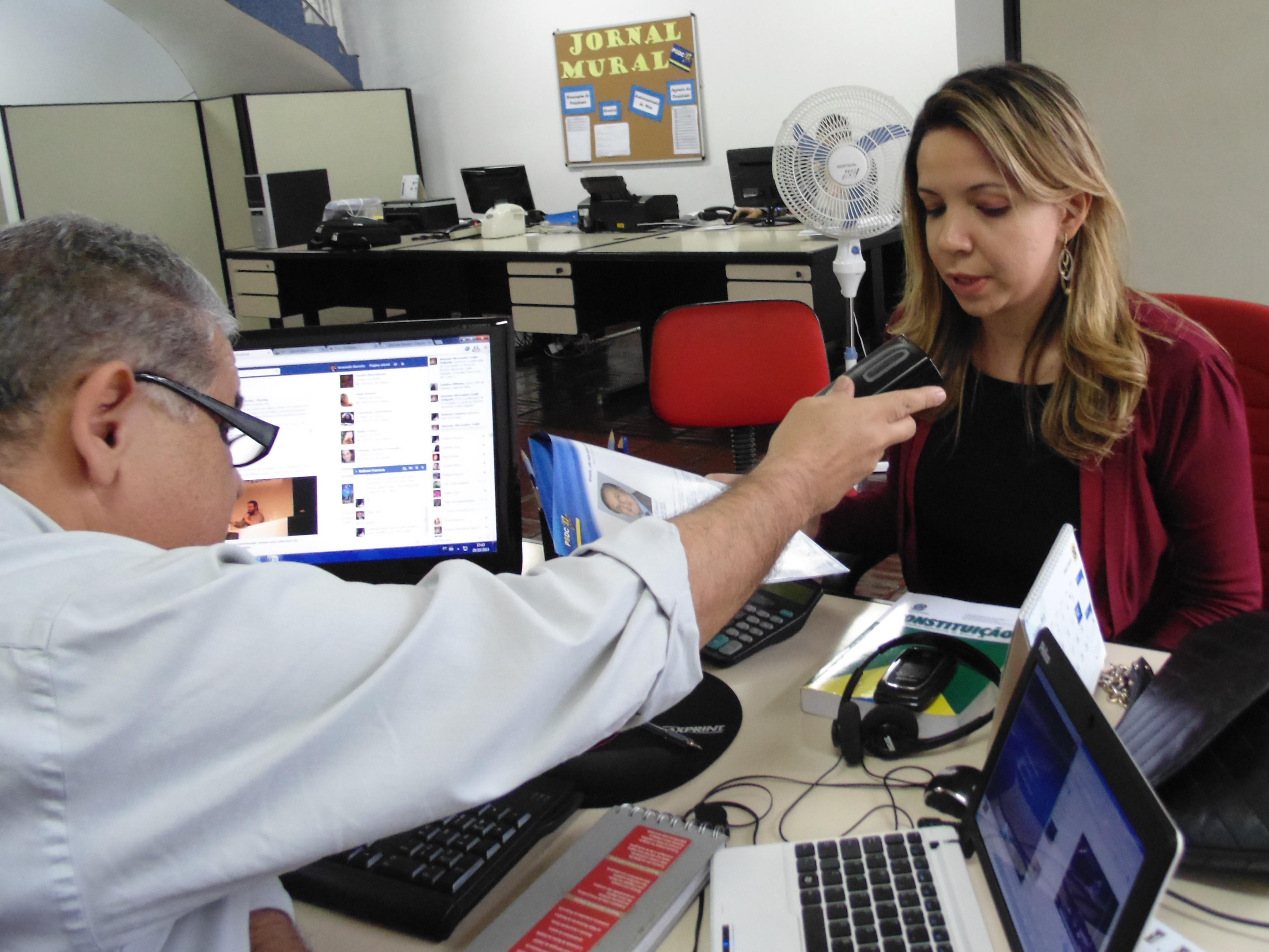 A advogada e poetisa Thais Fernanda Bizarria , nova filiada do PSDC, em entrevista na sede nacional do Partido em São Paulo. (Foto: Samuel de Oliveira)