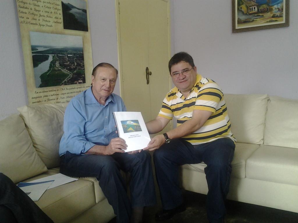 O Constituinte José Maria Eymael se encontra com o Prefeito de Iguape Toni Ribeiro.