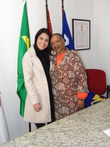 Deputada Glaucione Rodrigues com a líder do Movimento Contra Todo Tipo de Racismo e pela Igualdade de Oportunidades, do PSDC, Cleuza Amarante. A força da mulher na política. (Foto: Coordenadoria de comunicação)