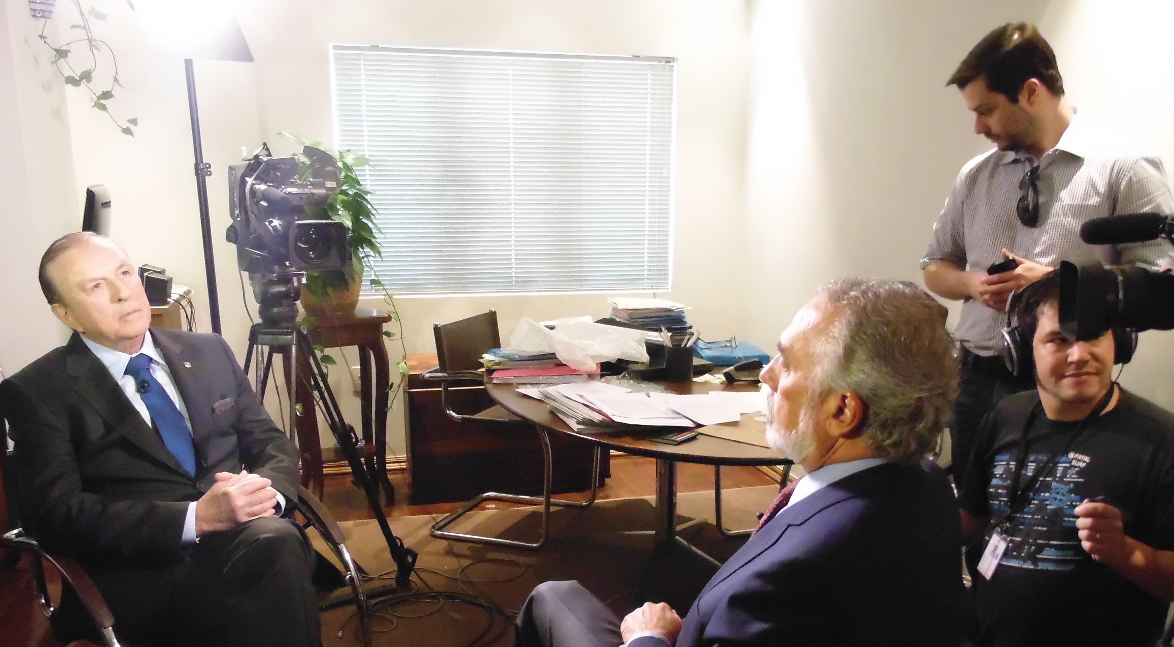 Concedendo entrevista ao Jornal nacional. (Foto: Comunicação PSDC)