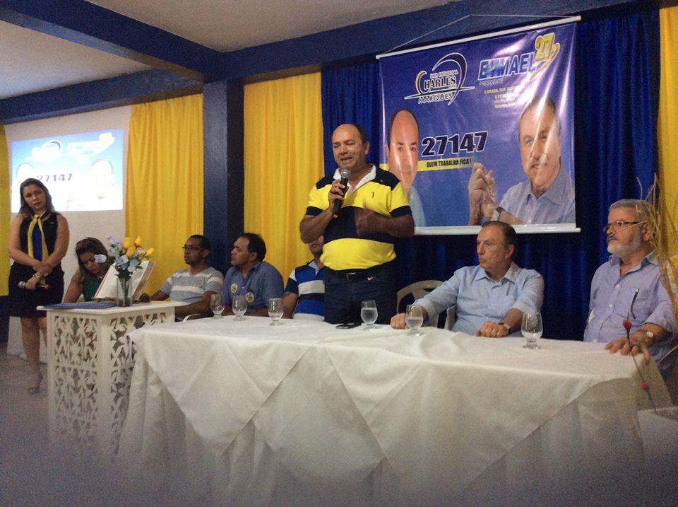 Em Macapá, se reuniu com lideranças e correligionários.