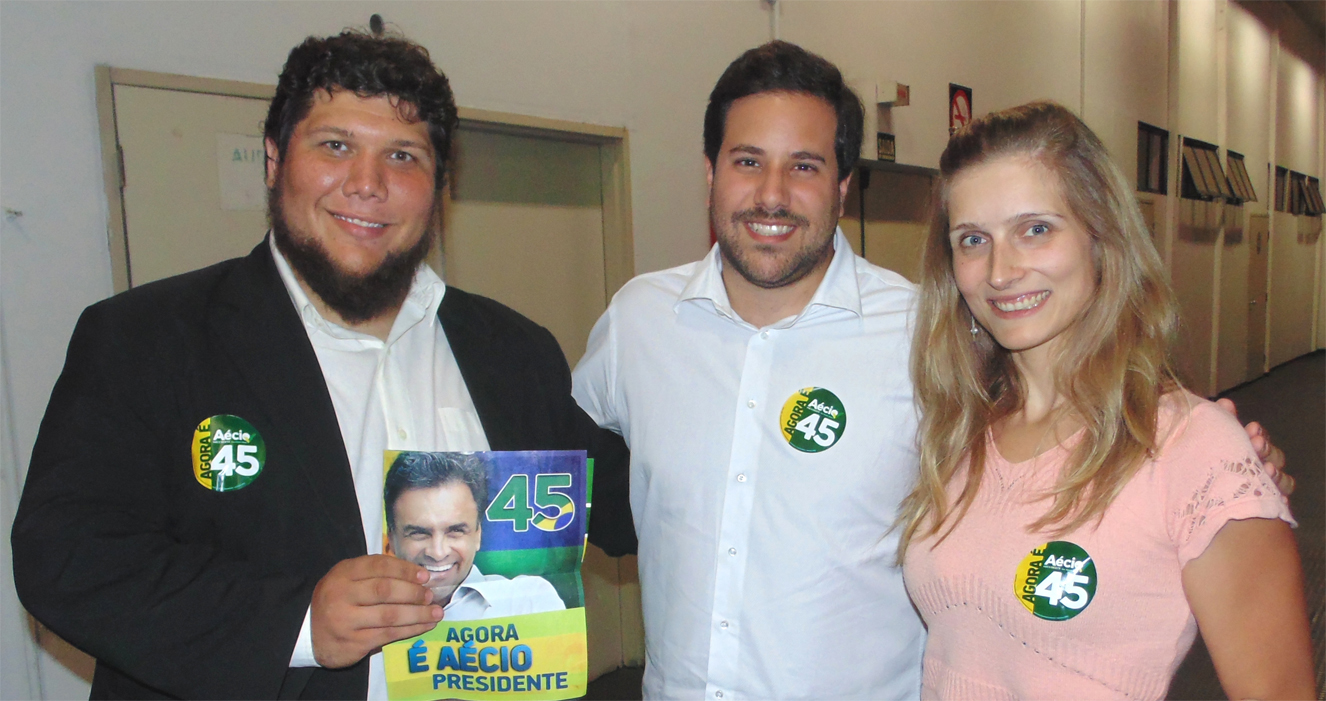 Samuel de Oliveira, Paulo Mathias,  líder do PSDB Jovem e Talita Eymael, da liderança jovem do PSDC em reunião com universitários na UNISANTANA, em São Paulo; agora é Aécio 45!