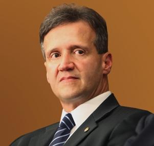 Aloísio Mendes é Deputado Federal eleito pelo Maranhão.