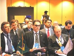 O Constituinte Eymael, o pré-candidato pelo PSDC a prefeitura do Rio de Janeiro Carlos Dias e o Coordenador Nacional de Marketing Rubens Pavão na abertura do Foro Internacional promovido pela ODCA.