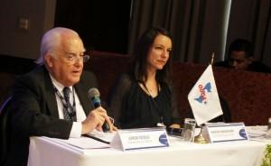 Jorge Ocejo Moreno, Presidente da ODCA - Organização Democrata Cristã das Américas e Kristin Wesemann, Diretora Regional da fundação Konrad Adenauer abrem os trabalhos do Foro.
