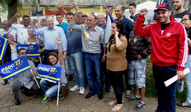 Na imagem um dos grandes momentos dessa peregrinação por varias cidades no encontro com democrata Cristãos de São Vicente onde o PSDC apoiou o candidato a Prefeito que venceu as eleições Pedro Gouveia.