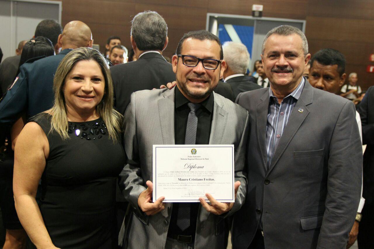 Vereador eleito em Belém (PA) Mauro Freitas (centro)